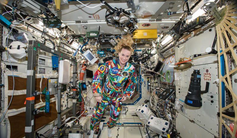 Wie viel Schwerkraft wirkt in der ISS?