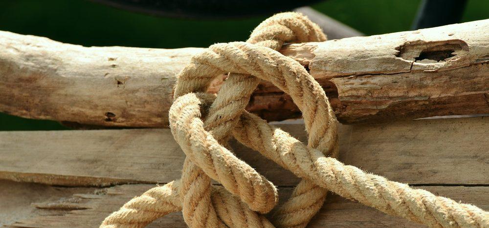 Knoten verringern die Reißfestigkeit eines Seils