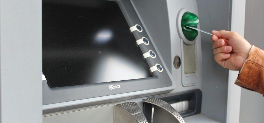 Seit wann gibt es Geldautomaten?