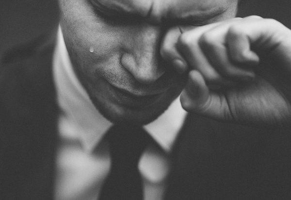 Wie entstehen Tränen?