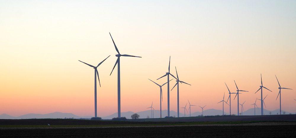 Warum drehen sich so viele Windräder in die falsche Richtung?