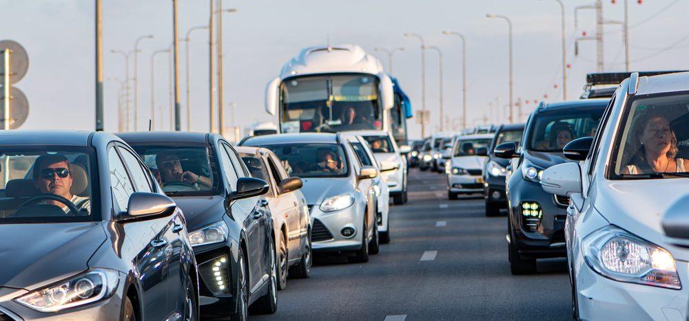 Zu welcher Tageszeit machen Autofahrer die meisten Fehler?