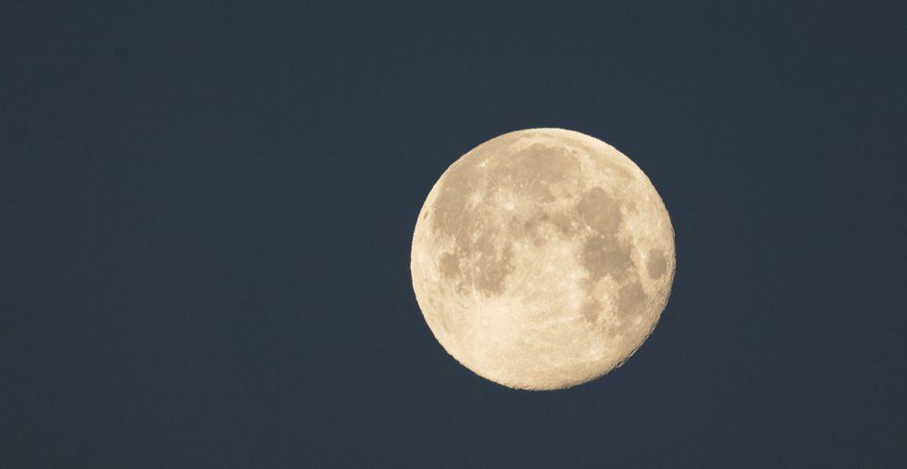 Warum rostet der Mond?