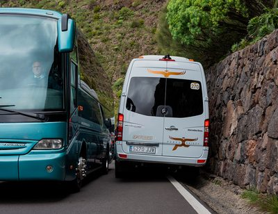 Recht: Gegenverkehr am Berg